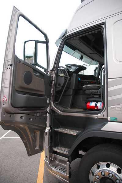 Oryginał 4Trucks.pl - Ciężarówki Volvo - udoskonalanie po szwedzku SS17