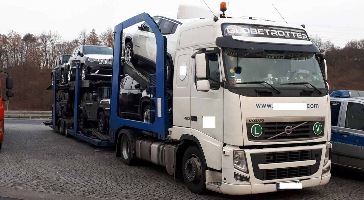 Volvo Trucks Autotransporter