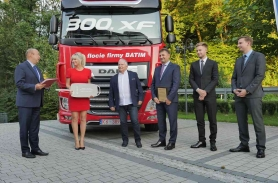 300 DAF XF we flocie Batim